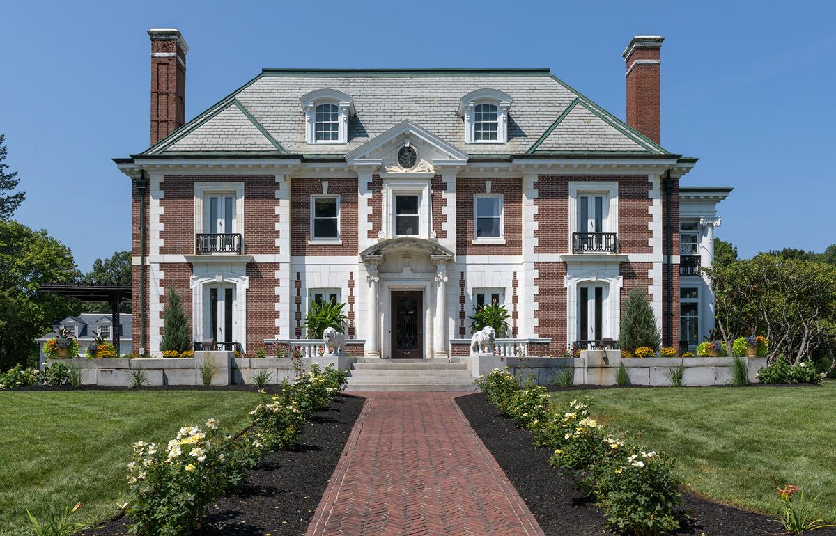 A Grand Show House - New Hampshire Home